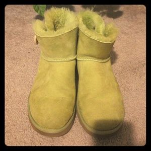 100% Authentic Lime Green Bailey Button Ugg